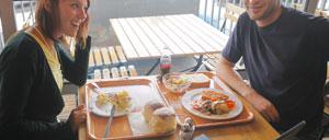 海辺のレストランで